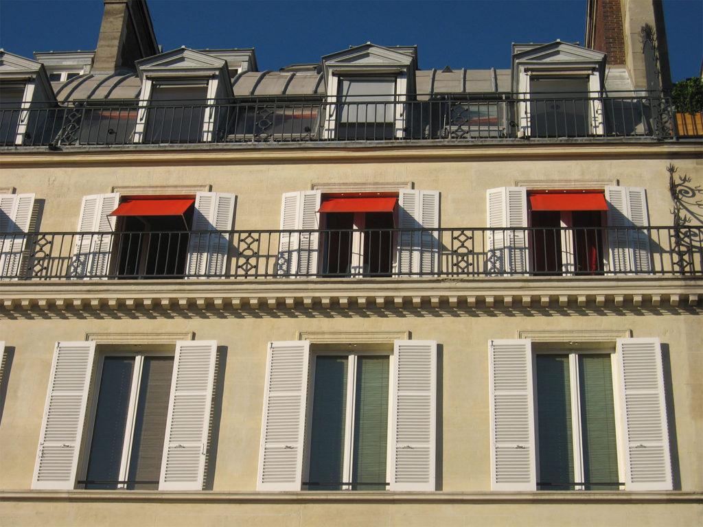 Balcon Paris Immeuble